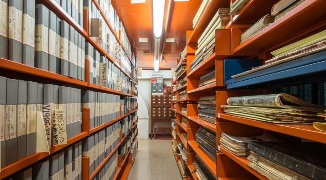 Văn thư lưu trữ