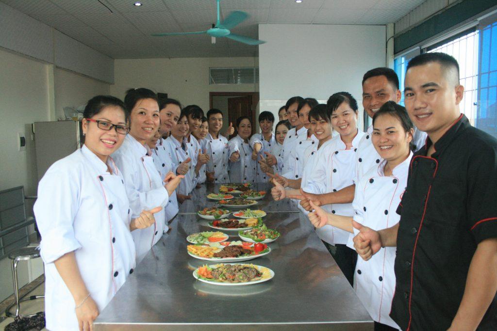 Một buổi học chuyên đề thực tế ngành Nấu ăn - trường Trung cấp Công nghệ và Quản trị Đông Đô