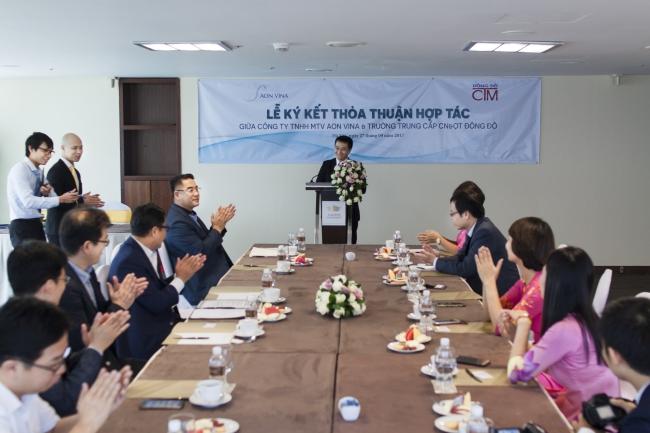 Đại diện HĐQT trường Trung cấp Đông Đô phát biểu tại buổi lễ ký kết hợp tác với Công ty TNHH MTV AON VINA - Tuyển sinh Đông Đô