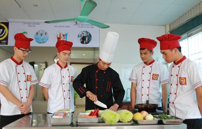 tuyển sinh khóa học trung cấp nấu ăn chất lượng cao - Trung cấp Đông Đô